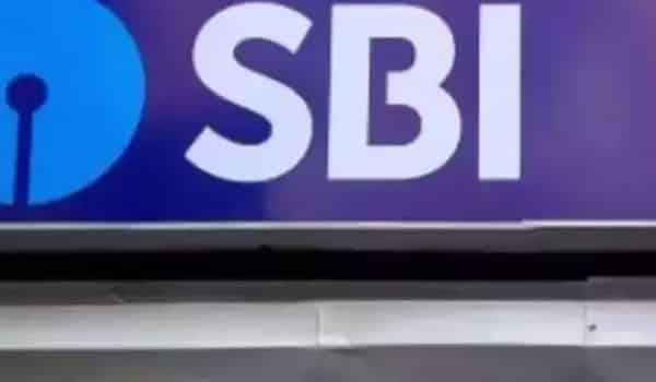 SBI reduces bank loan