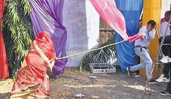 Women beaten his man on ignoring her demand on Karwa Chauth.